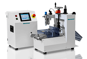 cutting materials with the universal cutting machine from Metzner